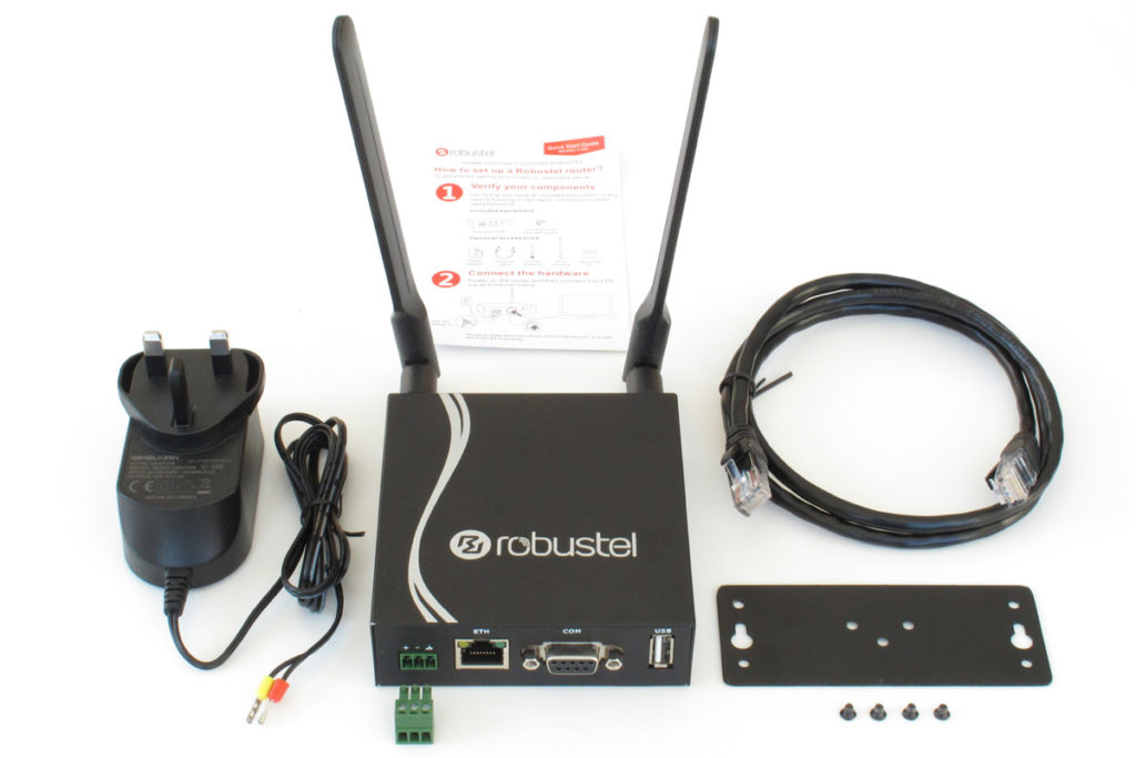 Image of R2000-4L 3G Router starter kit including all accessories